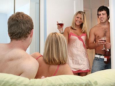 Full Vs Soft  Wife Swap | Meet Wife Swappers